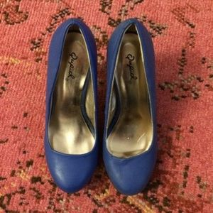Blue Qupid pumps